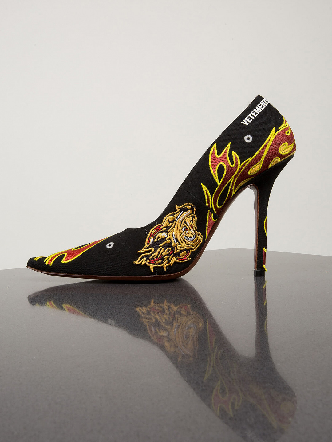 Embroidered Race Pumps