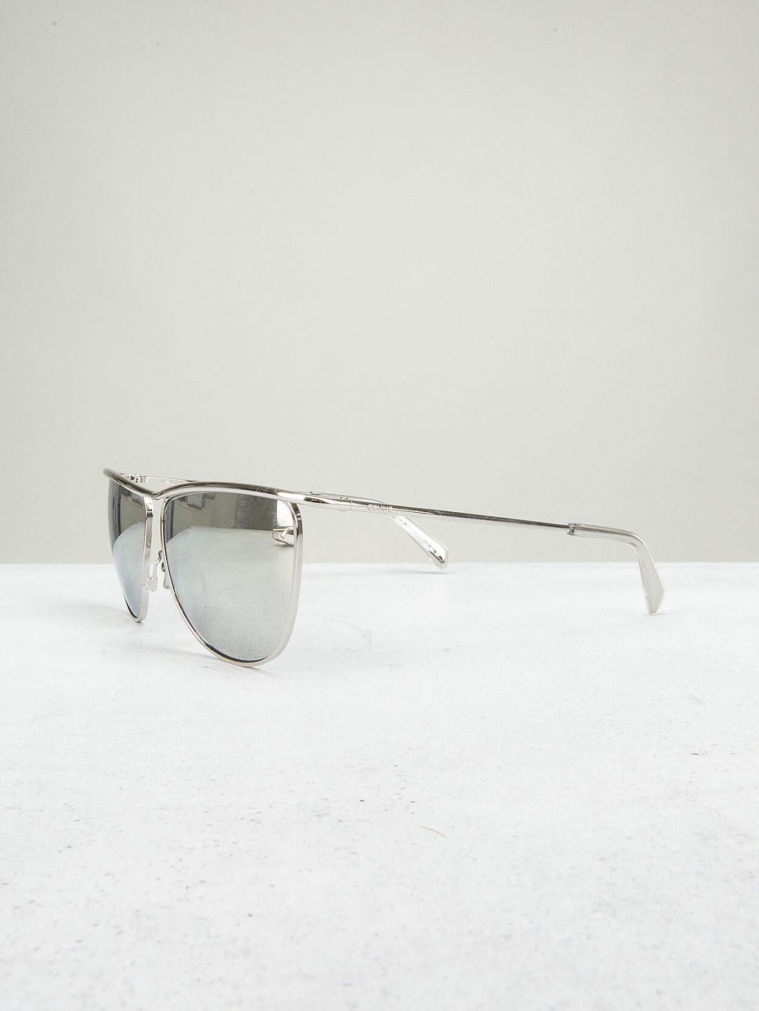 Metal With Mirror Glasses