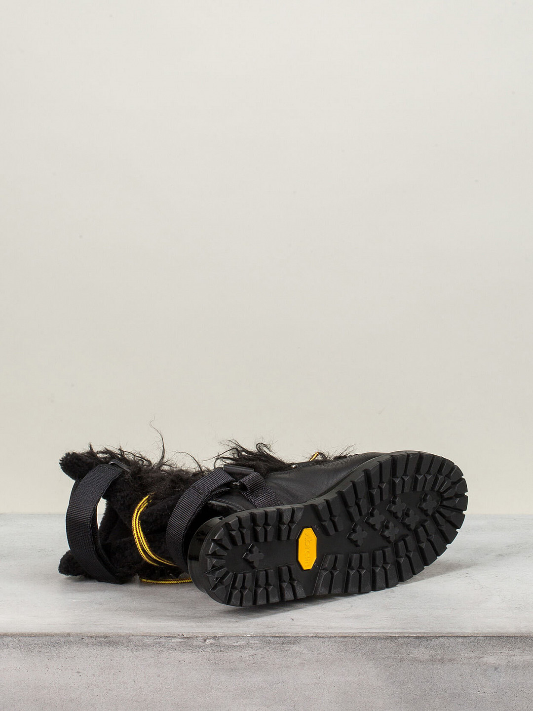 Faux Fur Sandals black
