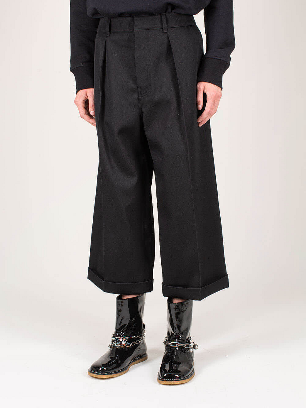 Cropped Flare Trousers black
