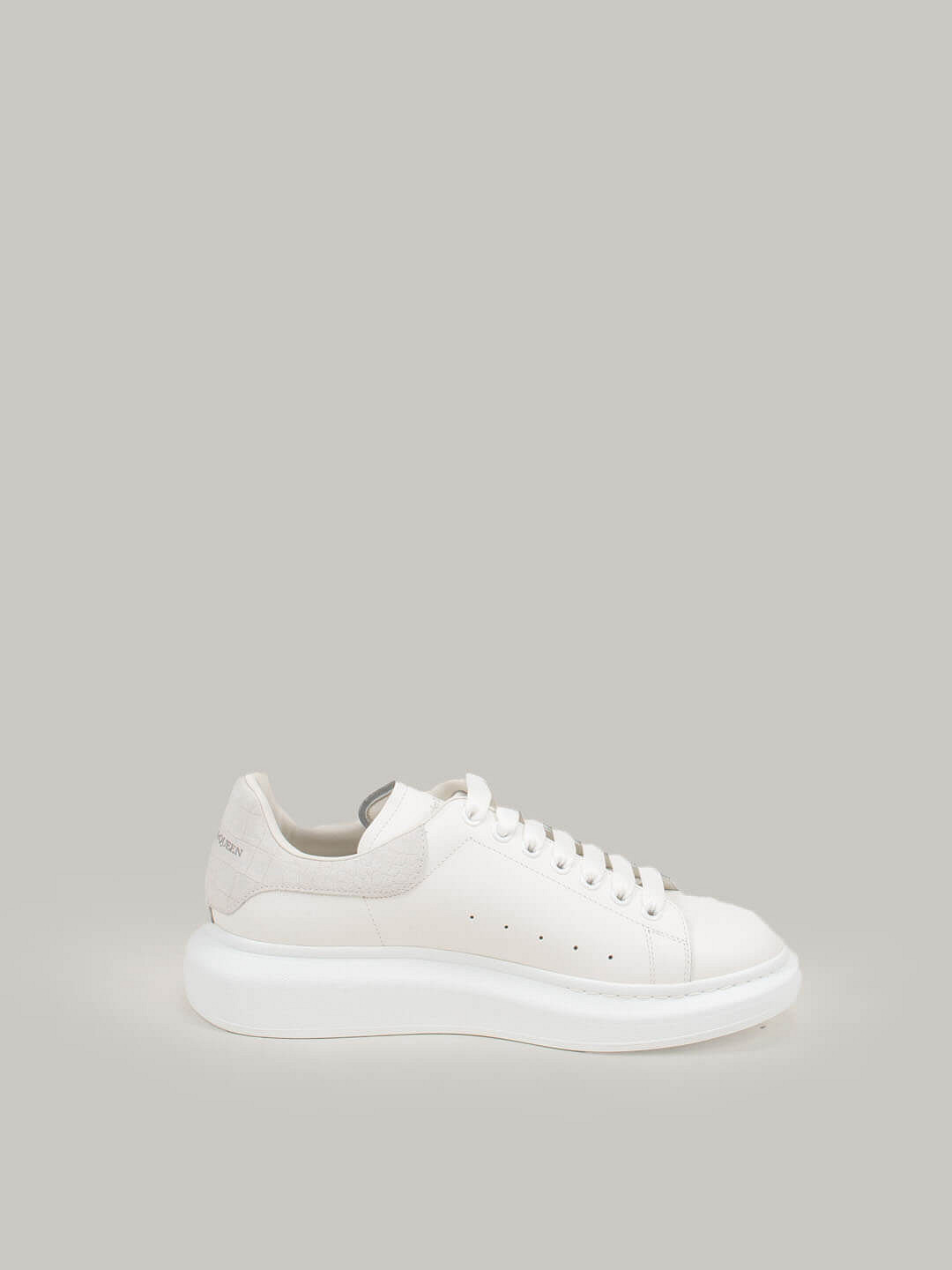 white Low Top Lace Up Sneaker