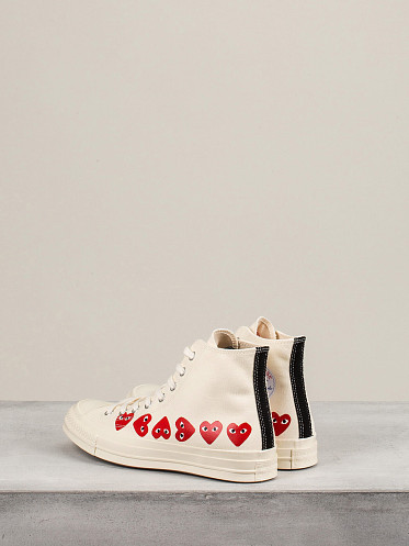 Play Converse High Top Multi Hearts off white