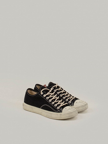 Low Top Canvas Sneaker black white