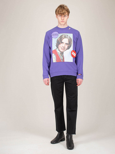 Destroyed Crewneck Girl In Red purple