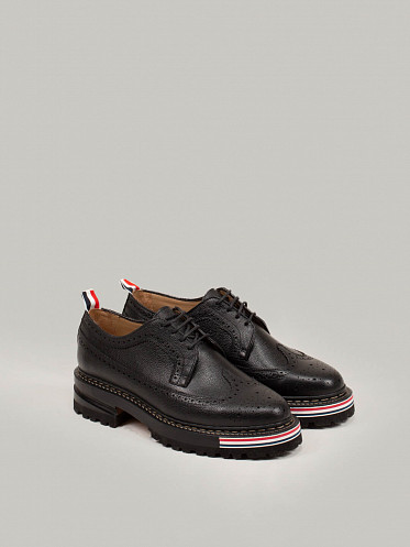 Longwing Brogue On Hiking Sole Pebble Grain Leather black