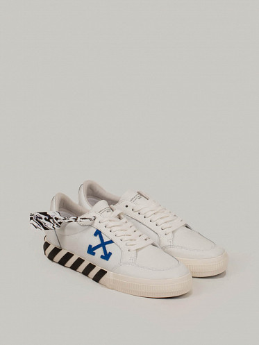 Low Vulcanized Sneaker Leather white blue