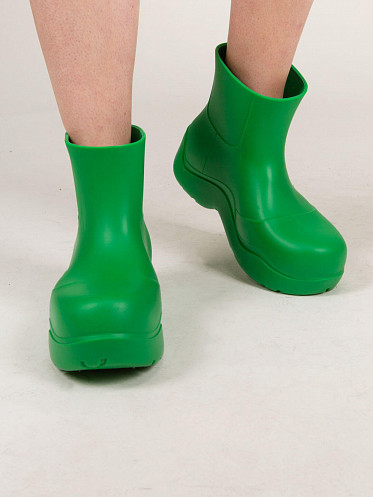Puddle Boot grass