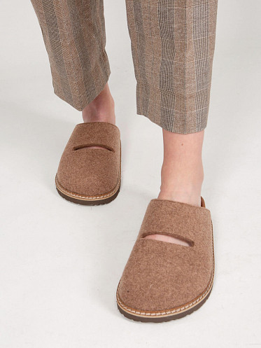 Flora Wool Leather Slip In felted cocoa