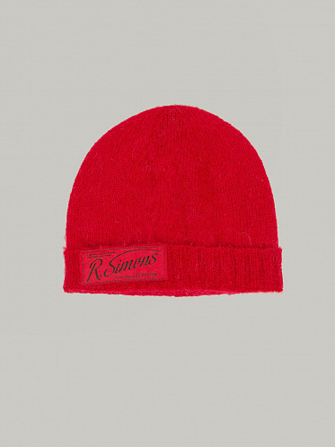 Knit Beanie with Woven Label red