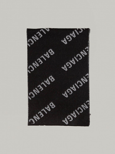 All Over Macro Scarf black